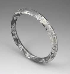Andrew Goss: Concrete bangle