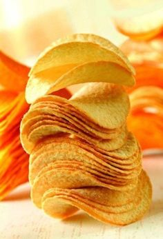 A complete line for potato chips production, start a business with this turnkey potato chip line. From raw potatoes to seasoned packaged chips. Potato Chips Machine, Pringles Original, Potato Snacks, Good Food, Yummy Food, Delicious Dishes, Tasty, Crispy Potatoes, Chinese Language