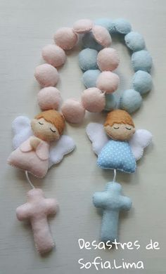 Feltro Fácil Moldes e Apostilas: Molde terço de anjinho Baby Sewing Projects, Sewing Crafts, Foam Crafts, Diy And Crafts, Felt Christmas, Christmas Crafts, Felt Angel, Baby Shawer, Soft Dolls