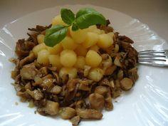 Kytičkový den - dušená hlíva s tymiánem a bramborové noky bezvaječné