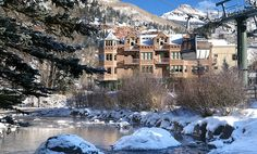 Hotel Columbia near the Gondola- photo by Joe Jenkin at RezStream