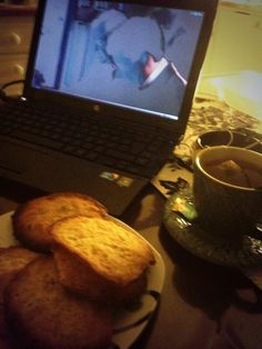 Forest fruit tea + cookies + Downton Abbey = yes