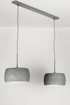 Artikel 72400 Deze schitterende hanglamp is voorzien van twee kappen. Deze aluminium kappen zijn strak van vormgeving en uitgevoerd in beton-kleur. http://www.rietveldlicht.nl/artikel/hanglamp-72400-modern-eigentijds_klassiek-landelijk-rustiek-design-retro-industrie-look-betongrijs-geschuurd_aluminium-rond-langwerpig