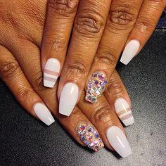 Coffin shaped nails @KortenStEiN
