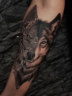 50 Of The Most Beautiful Wolf Tattoo Designs The Internet Has Ever Seen beau tatouage de loup d'ornement © tatoueur Dylan Wilson Wolf Tattoo Forearm, Wolf Tattoo Sleeve, Sleeve Tattoos, Tattoo Wolf, Forearm Tattoos For Guys, Mens Forearm Sleeve Tattoo, Bicep Tattoo Men, Wolf Tattoos Men, Leg Tattoos