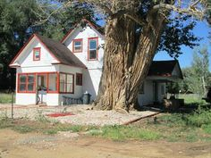 Lease to Own- 30 Acre parcel with 1885 Farm House