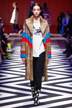 MSGM Fall 2017 Ready-to-Wear Collection Photos - Vogue