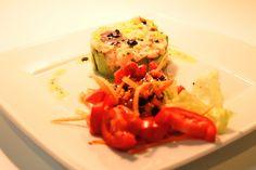 Tartar de aguacates con langostinos, soja y vinagreta de aceitunas