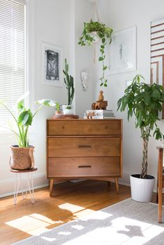 "Home Interior Design — House Tour: An Artist's ""Scavenged Modern Zen"" DC. Home Decor Bedroom, Living Room Decor, Zen Home Decor, Living Room Dresser, Plants In Living Room, Zen Living Rooms, Sala Zen, Home Interior, Interior Design"