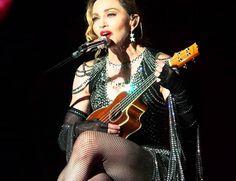 """Madonna canta a clássica música francesa """"La vie en rose"""" na 'Rebel heart tour', que será exibida no dia 9 nos Estados Unidos  (Foto: Reprodução)"""
