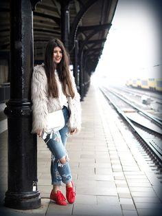 Fashionista Chloë S. - ADIDAS SUPER COLOR