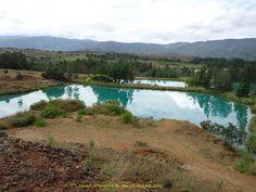 POZOS AZULES ...... Hermosos espejos de agua natural, cristalina de color azul en Villa de Leyva Boyacá Colombia ......... http://www.chispaisas.info/boyaca8.htm