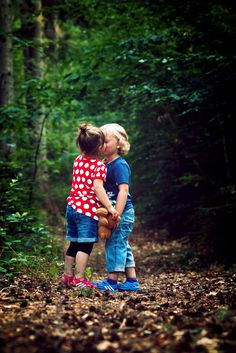 My First Love ❤️ Cute Baby Couple, Girl Couple, Baby Love, Funny Baby Photography, Children Photography, Funny Babies, Cute Babies, Cute Love Quotes For Him, Kids Kiss