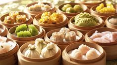 "Many people have heard of the words Chinese Dim Sum. The word dim sum is derived from Cantonese language which literally means ""dot the heart"". Dim Sum, Cantonese Cuisine, Food Porn, Chinese Dumplings, Asian Recipes, Ethnic Recipes, In China, Chinese Restaurant, Seafood Restaurant"