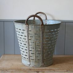 Metal Mussels Basket