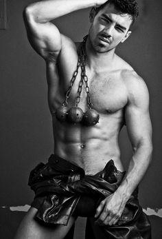 Oooh .. Joe Jonas is all growed up. Who'd a thunk it :D http://th02.deviantart.net/fs70/PRE/f/2012/184/b/9/joe_jonas_shirtless_5_by_jayysonata-d55w0fd.png