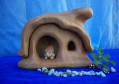 gnome homes from Heartwood Arts on thepuppentube.com