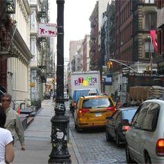 "#Wallsticker in New York - Soho (1)    ""Beware of Dog"" (size S cm 58 x 36) multicolor."
