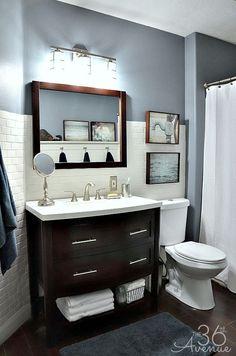 Color d la pared con azulejos blancos
