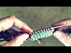 Best tutorial I could find and understand. Double Knitting - Cast On using Alternating Two Color Invisible Cast-On Knitting Videos, Arm Knitting, Double Knitting, Knitting Stitches, Knitting Projects, Knitting Patterns, Labor, Sewing Crafts, Stitch Patterns