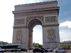 A L' #ArcdeTriomphe #Paris June 2014  www.pinterest.com/annbri/