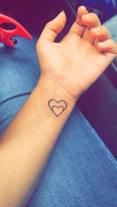 Lovely small wrist word tattoos tatoo ideazzzz miscarriage t Lost Baby Tattoo, Tattoo Mama, Sister Tattoos, Friend Tattoos, Baby Loss Tattoo, Family Tattoos, Mom Daughter Tattoos, Tattoos For Daughters, Tattoos For Babies