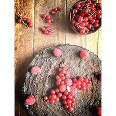 #raw #vegan #cake  with salted caramel's dates and chocolate  torta raw vegan con caramllo salato di atteri e cioccolato