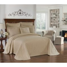 Historic Charleston King Charles Matelasse Bedspread (Queen - Ivory), Beige Off-White (Cotton, Motif) Blue Bedspread, White King, Vine Design, King Charles, Bedding Collections, Bed Spreads, Decoration, Charleston, Queen