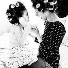 Una mamma è la radice dell'albero di un amore infinito. Una mamma, fragile bambina, donna decisa, sorella dolcissima ed insostituibile figlia. Una mamma è lo sguardo attento di Dio sul mondo, una mamma é la calda luce che guiderà per sempre il cammino di una figlia. Una mamma sono Io per te angelo mio. S.R. #poesia #amore