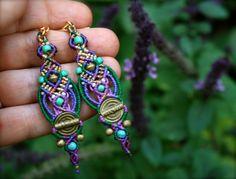 ethnic boho micro macrame earrings por yasminsjewelry en Etsy