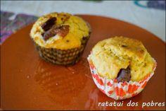 Muffins de Laranja e chocolate  http://ratatuidospobres.blogspot.pt/2013/11/muffins-de-laranja-e-chocolate.html
