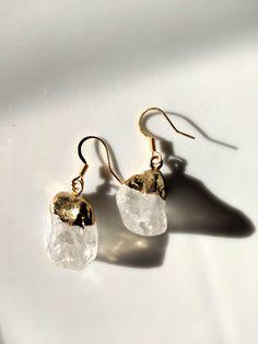Raw crystal on gold dip and earhook. simple, handmade, raw, unique, gemstone by BemineTreasures on Etsy Pearl Earrings, Jewellery Earrings, Drop Earrings, Gold Dipped, Handmade Items, Handmade Gifts, Crystal Drop, My Etsy Shop, Quartz