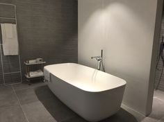 Pin de Ge Victoria en Toilets & Baths | Pinterest | Depto ...
