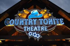 There are several dinner shows in Pigeon Forge that offer free admission for children.