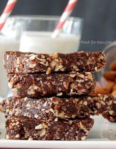 Ξεκινώντας τη βδομάδα αισιόδοξα και υγιεινά φτιάχνεις αυτές τις πανεύκολες και απλές μπάρες ενέργειας που σε χορταίνουν κ... Health Desserts, Vegan Desserts, Fun Desserts, Healthy Bars, Healthy Treats, Stay Healthy, Baking Recipes, Snack Recipes, Gf Recipes