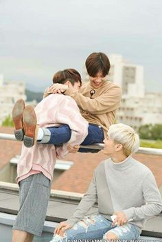 Ontae and jonghyun appas and baby♡.♡
