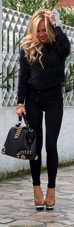 Imperfect fluffy black sweater http://www.it-girl.it/imperfect-the-more-fluffy-sweater/