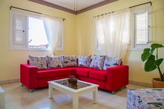 in La Habana, Cuba. Private apartament so bright with natural fresh. It is located in 17th Avenue in Vedado, one of the most important neigborhood in Havana, close to John Lennon Park. Just 3 blocks away you can take cheap taxis to get Old Havana and other zones of H...