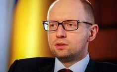 """Украина не признает аннексию Крыма и будет """"отбивать"""" его обратно - Яценюк"""