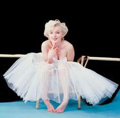 Merilyn Monroe. . .one of my favorites of all time.