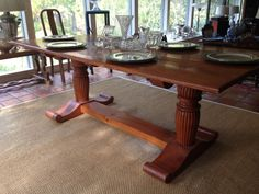 Watercress Springs Estate Sales GREENWICH CT ESTATE SALE - 12 Sidney Lanier Lane - October 28th to 30th - liillian-august-table-7ft-l-x-40
