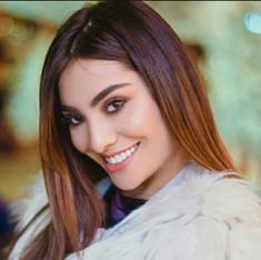 "La Mafe Méndez ""la cejona de YouTube"" te amo ❤ Cute Youtube Couples, Divas, Jimin, Actors, Long Hair Styles, Instagram, Roast, Beauty, Mariana"