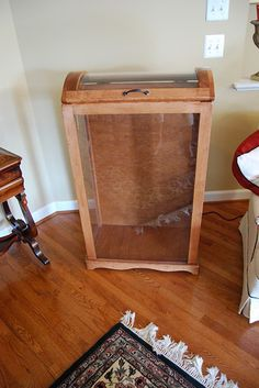 Quilt Cupboard (I want one!) | Quilts | Pinterest | Quilt, TVs and ... : quilt display cases - Adamdwight.com