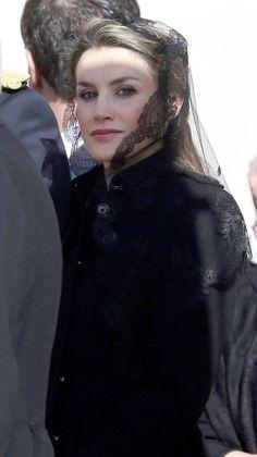 Crown Princess Letizia at Papal Mass in Rome - MYROYALS  FASHİON