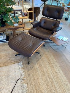 Dean Chair In Distressed Leather Mitchell Gold Bob