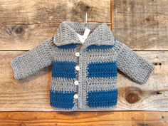 Crochet jacket boy baby cardigan ideas for 2019 Crochet Baby Jacket, Gilet Crochet, Crochet Baby Sweaters, Baby Knitting, Crochet Cardigan, Crochet Baby Clothes Boy, Crochet Bebe, Crochet For Boys, Easy Crochet