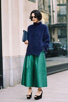 タフタ素材で高級感のあるスタイルに。人気・おすすめ・トレンドのスカーチョのモテコーデ一覧♡