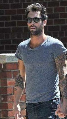 Adam Levine Style streetstyle beard sunglasses fashion men tumblr jeans grey shirt