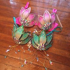 gorgeous blooming lotus flowers ✨🌿🌸🌿✨ this is a design you'll only find with us - these babies are hand built petal by petal which means… Rave Festival, Festival Wear, Festival Outfits, Festival Fashion, Diy Festival Clothes, Festival Caps, Rave Costumes, Belly Dance Costumes, Mermaid Bra