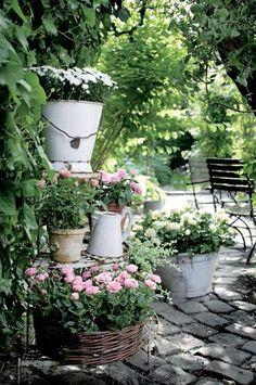 kiyoaki:  (vía Nytt til hagen og terrassen - Så du har ikke lounge-sofa på terrassen? - Hage)